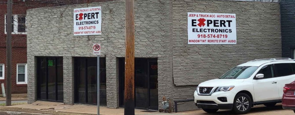 outside picture of Expert Electronics in Tulsa